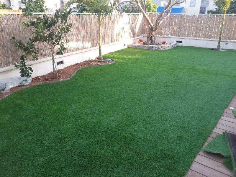 עיצוב דשא סינטטי בגינה